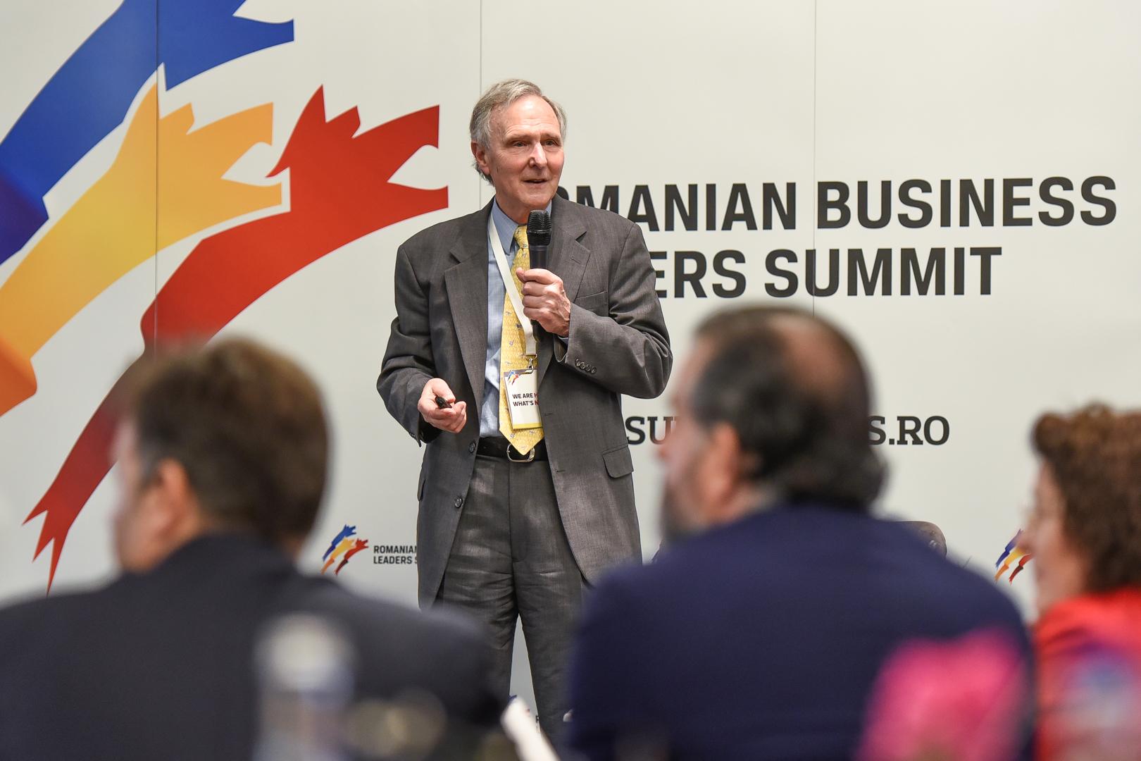 Eric A. Hanushek: Salariile românilor vor crește anual cu 15%, la 15 ani după ce România egalează rezultatele Slovaciei la testele PISA