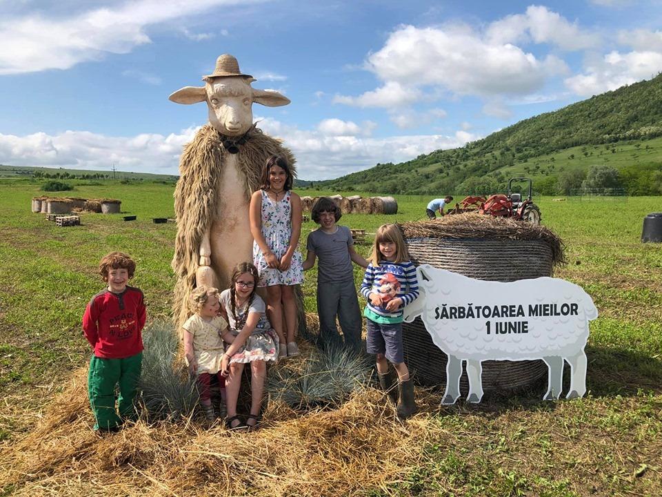 De 1 iunie am adus copiii mai aproape de natură la Sărbătoarea Mieilor din Vultureni I RBL Cluj