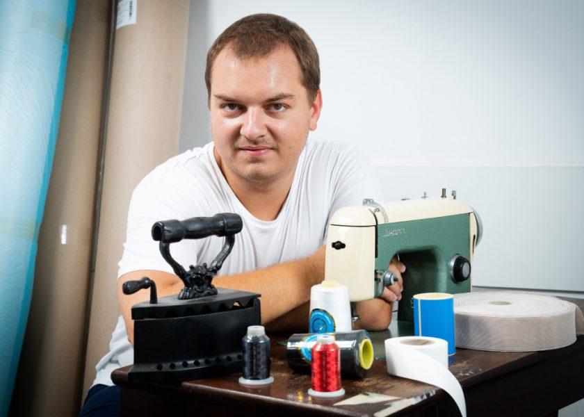 Cum se pregătește un tânăr antreprenor de doar 27 de ani să preia businessul de familie, axat pe producție și distribuție de accesorii pentru industria confecțiilor
