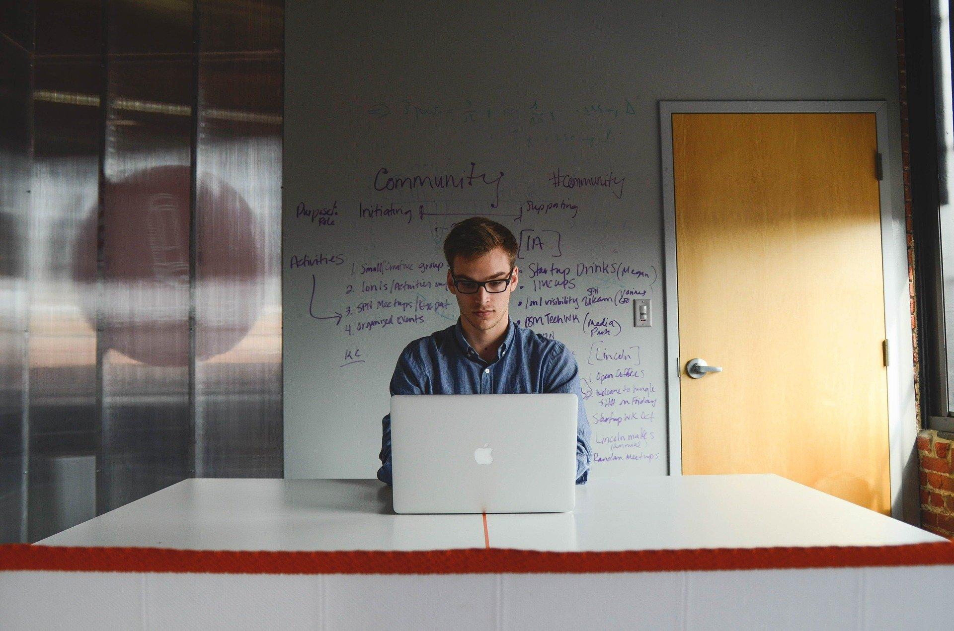 Mentorat de la antreprenori celebri pentru tinerii care încep propriul business